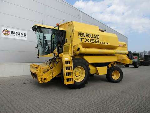 New Holland TX 68 PLUS