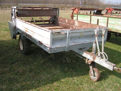 Schröck 3 tonnás trágyaszóró