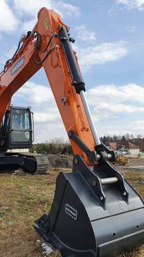 Doosan DX225 LC Kettenbagger NEU