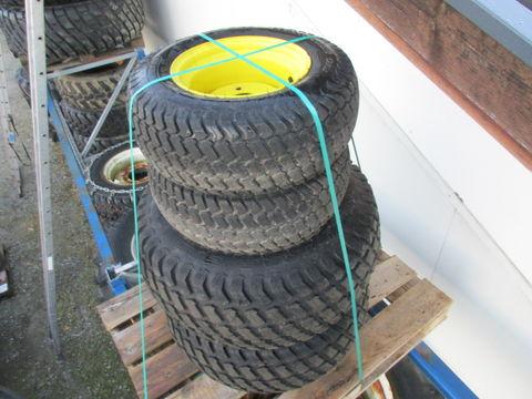 Sonstige Kommunaltraktor Räder mit Felgen
