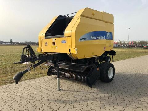 New Holland BR750A