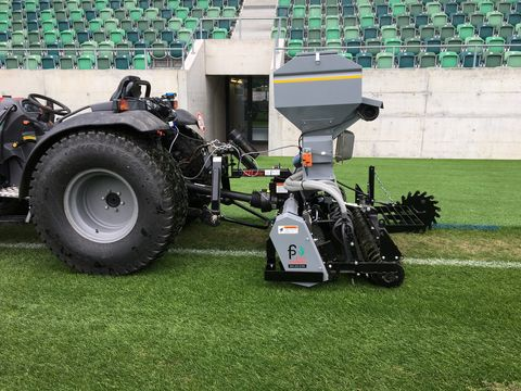 FirstProducts AeraVator mit Reihensaat