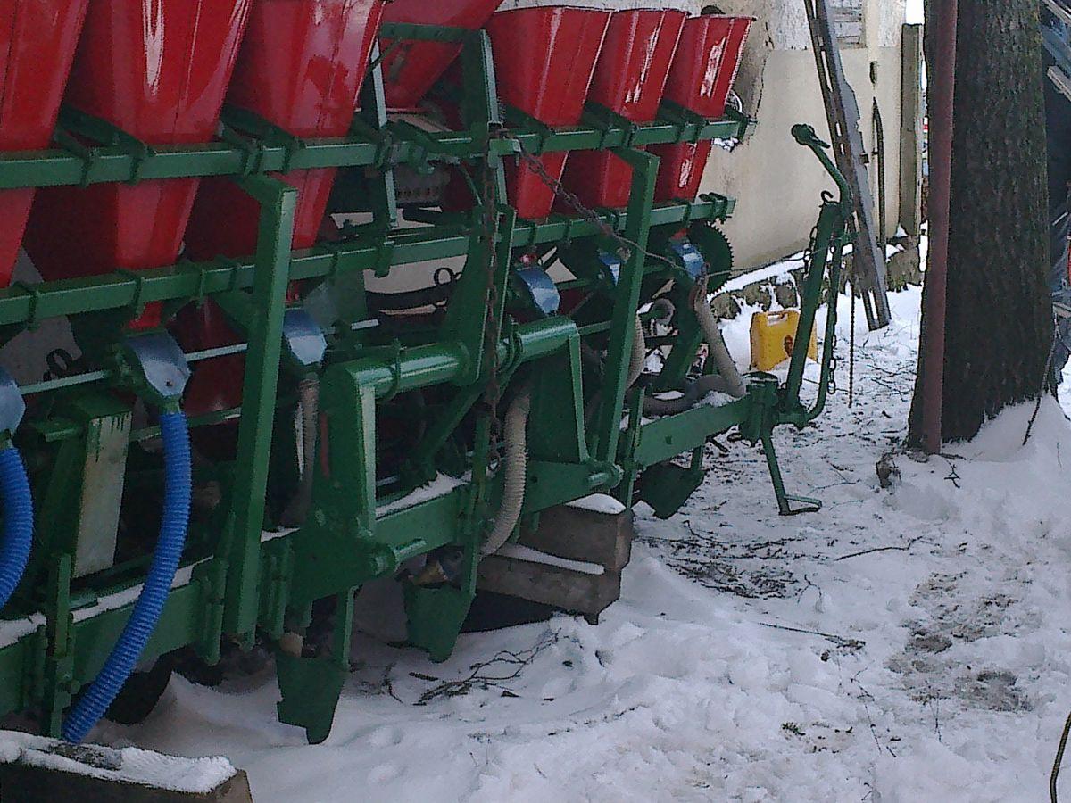 ) Sejalica za kukuruz Rasipač đubriva u redove Marker za tragove
