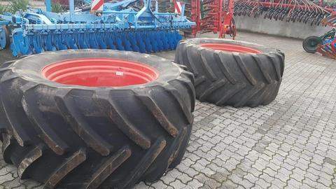 Michelin 2 x 900/50R42 und 2 x 600/6R34 für 900er FENDT