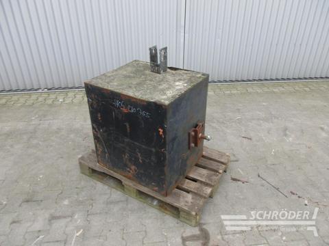 Sonstige / Other 800 kg Betongewicht