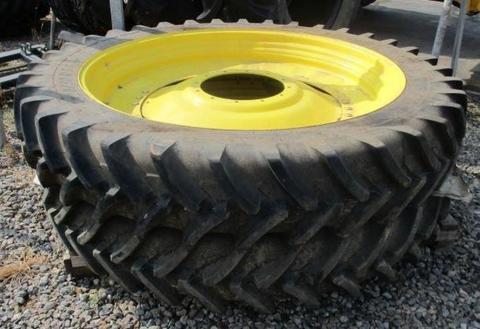 Michelin 320/90R54