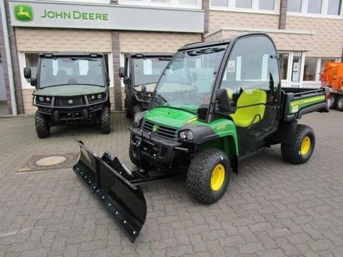 John Deere Gator HPX815E Schneeschild