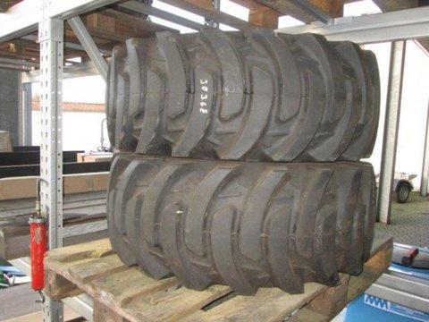 John Deere 3036E  2x Reifen hinten