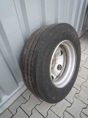 Michelin Einzelrad 215/75 R 17.5