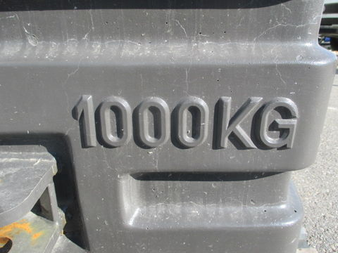 Claas 1.000 kg Frontgewicht