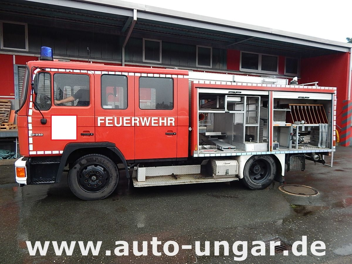 man lf16 feuerwehrfahrzeug auto ungar. Black Bedroom Furniture Sets. Home Design Ideas