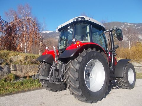 Massey Ferguson MF 5710 S Efficient