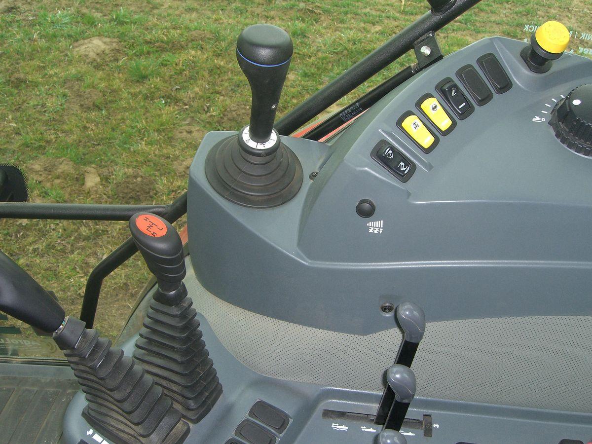 mccormick freinage sur 4 roues syst me hydraulique avant tracteurs. Black Bedroom Furniture Sets. Home Design Ideas