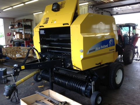 New Holland New Holland BR6090