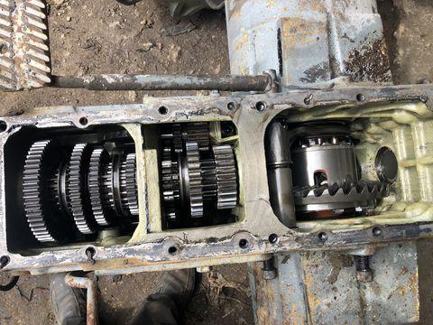 Lindner Getriebe ZF 210