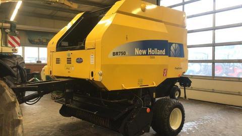 New Holland BR 750 AEC