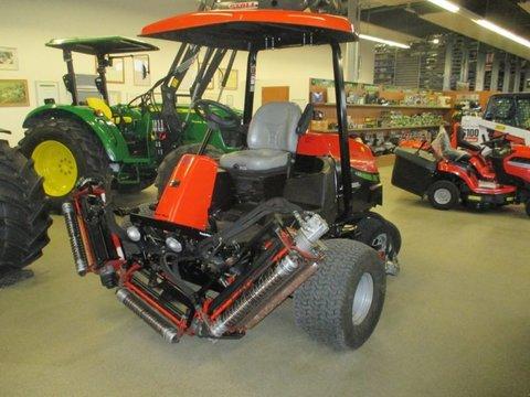 Mat riel entretien d 39 espaces verts d 39 occasion tracteurs for Tva entretien espaces verts
