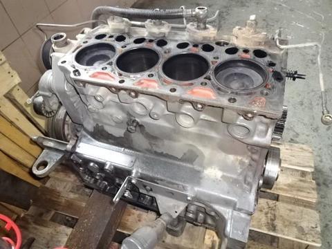 412 er Motorblock - Unterbau BF 4 M 2013- C