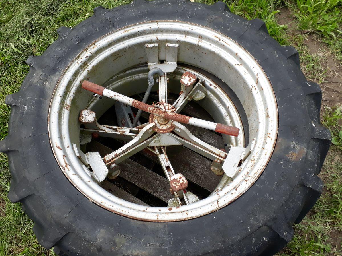 Michelin, 9.5R28