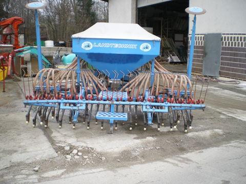 Accord Pneumatische Sähmaschine mit Striegl