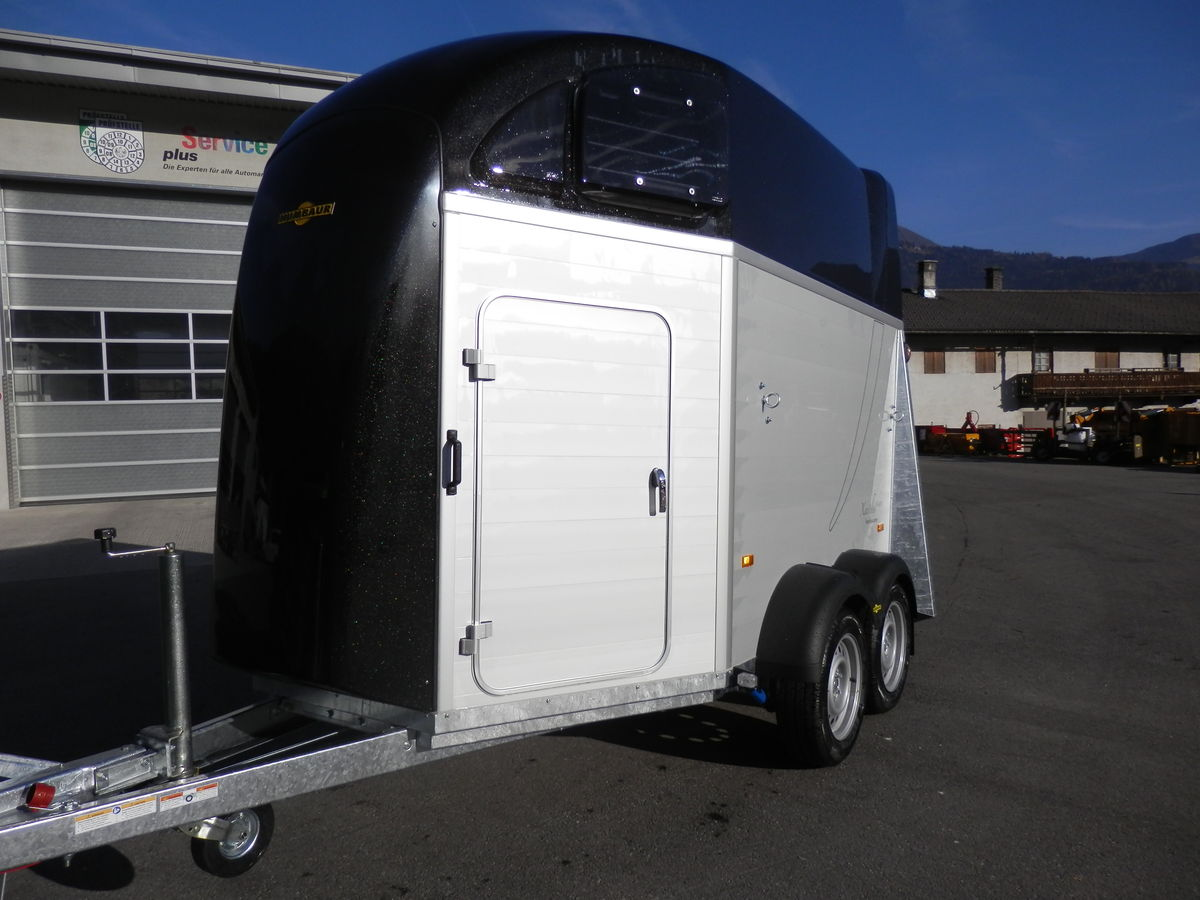 humbaur pferdeanh nger xanthos aero 2400 aluminium. Black Bedroom Furniture Sets. Home Design Ideas