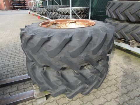 Pirelli Räder 14.9 R 30 passend Deutz-Fahr DX 8.30 230