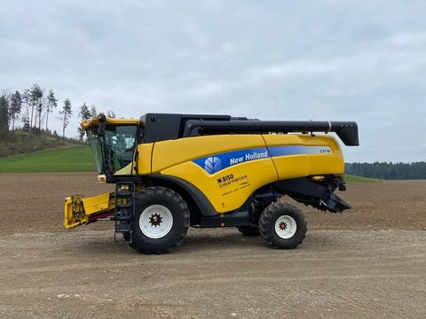 New Holland CX740