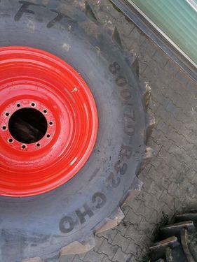 Mitas Reifen mit Felgen