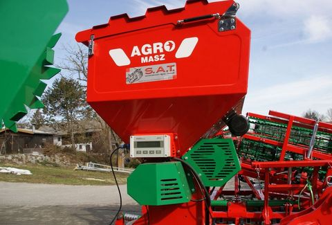 Sonstige AKTION-Agro Masz SP 200- Pneumatikstreuer