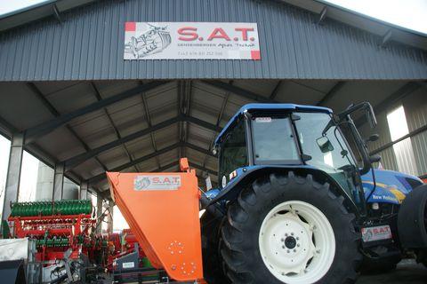 Sonstige SAT- Sand und Splistreuer-Neumaschine