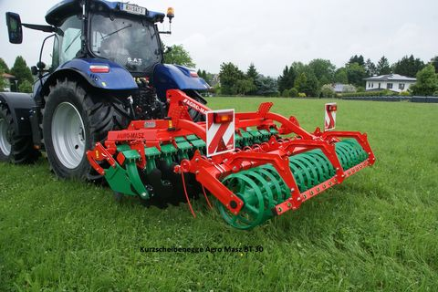 Agro-Masz Kurzscheibenegge BT 30-Neumaschine
