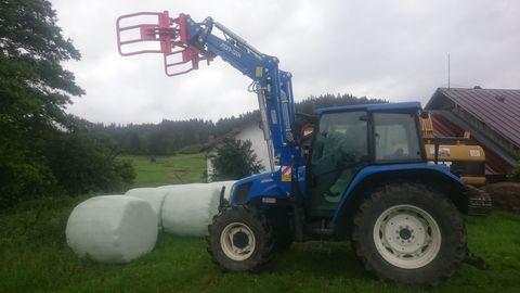 Gebrauchte traktor mit frontlader landwirt