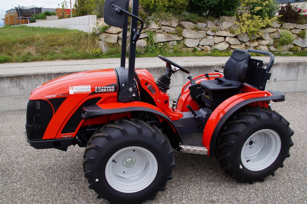antonio carraro tigre 4000 traktor schlepper holder kubota fendt 30 km h. Black Bedroom Furniture Sets. Home Design Ideas