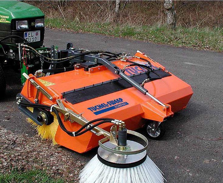 tuchel kompakt 520 kehrmaschine traktor kubota holder 3. Black Bedroom Furniture Sets. Home Design Ideas