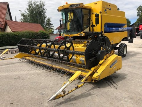 New Holland CSX 7060