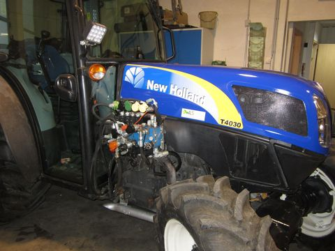 New Holland T 4030  Super Steere Vorderachse
