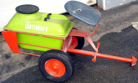 Köppl Ausitzwagen mit Wasserbehälter ca.50 Liter