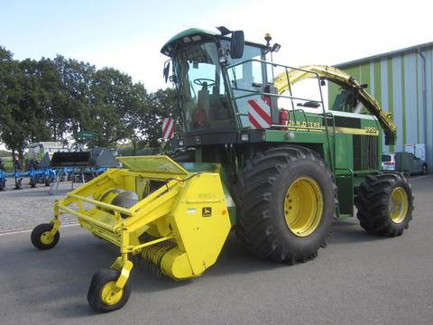 John Deere 6910 Allrad 4WD mit PICK UP 630 A, Corn Cracker