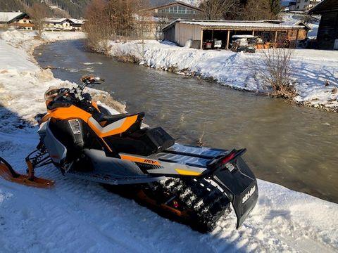 Ski-doo Renegade X-RS - VORFÜHRGERÄT
