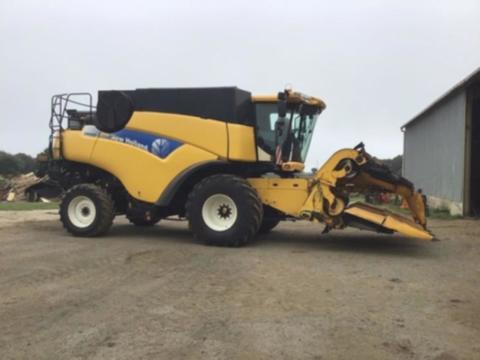 New Holland cr 9060