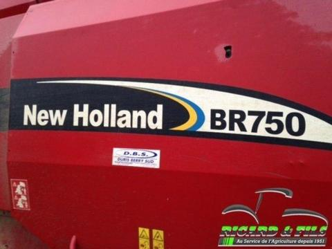 New Holland Presse à balles rondes Br750 New Holland