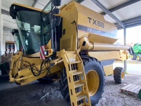New Holland tx68