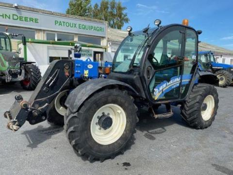 New Holland lm 735
