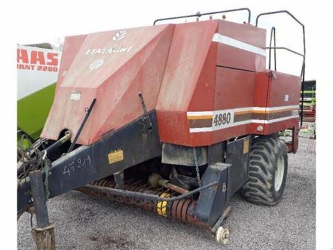 Hesston 4880