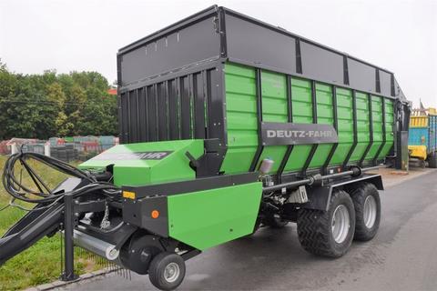 Deutz-Fahr Feedmaster 4200 D mit komplett neuer Pick-Up und