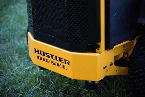 """Hustler Z-Diesel 72"""" Zero-Turn Aufsitzmäher"""