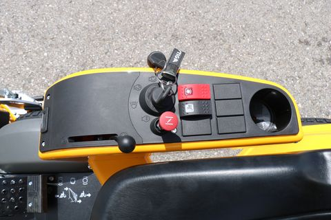 Stiga Park 640 PWX mit Mähdeck