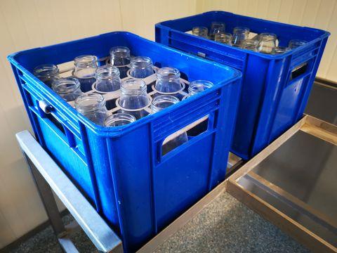 Zootechnika Reinigungsautomat für Flaschen und Kisten
