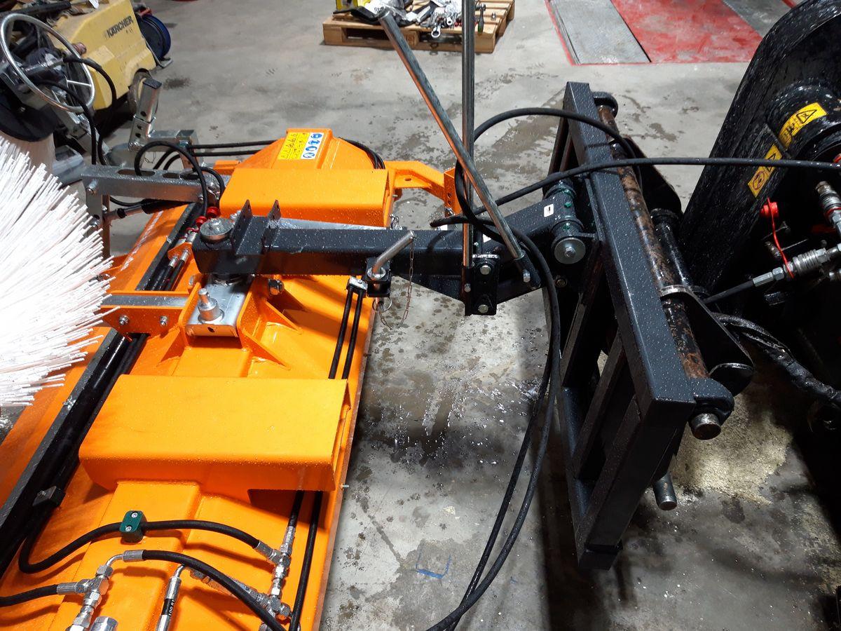 b4dc18c42b1 Talex Kehrmaschine Eco Clean 180 Euro - Tasträder - Landwirt.com