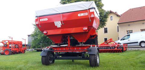 Sonstige gezogener Düngerstreuer OZDF S2500